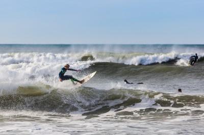 les surfeurs a Anglet