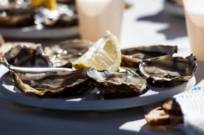 citron sur huîtres